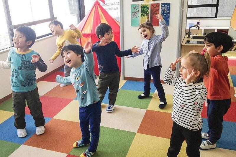 preschool children dancing