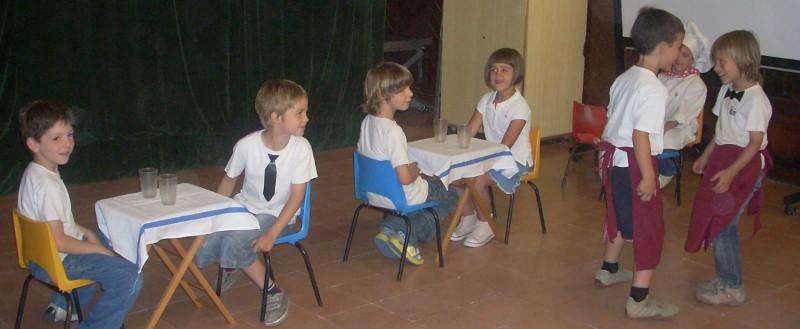 kids acting The Best Restaurant skit